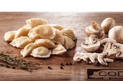 Вареники с грибами и картофелем ручной работы п/ф 100 г. - фото 6905